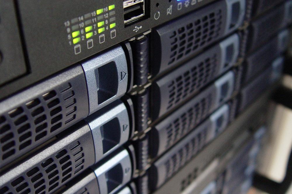 host e server monitorati e dedicati al software sitoper.it